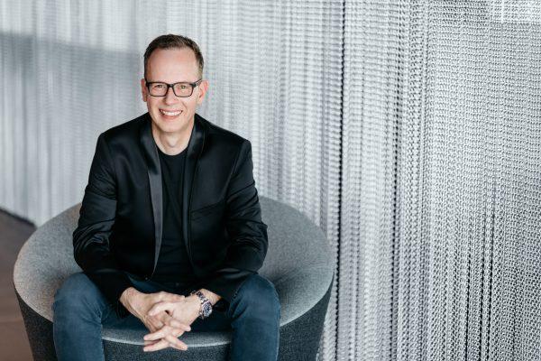 Professioneller Event DJ René Pera Portraitbild