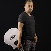 DJ René Pera mit dem Gitarristen Oliver Hanf.